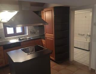 Schöne 3.5 Zimmer - Dachwohnung in Giornico zu Vermieten (2)