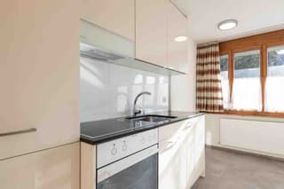 1 Zimmerwohnung an ruhiger und doch zentraler Lage zu vermieten (3)