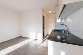 1 Zimmerwohnung an ruhiger und doch zentraler Lage zu vermieten (4)