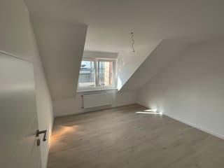 Neue Dachgeschosswohnungen - hell und freundlich! (2)
