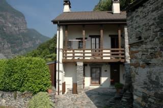 freistehendes, uneinsehbares, 5 1/2 Zi. Einfamilienhaus am Südhang (4)