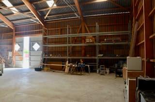Gewerbehalle • viel Raum • div. Parkplätze • vielseitige Nutzung (4)