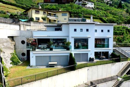 Dreifamilienhaus / Casa con tre appartamenti