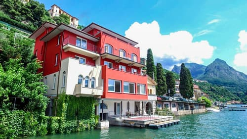 VALSOLDA - LUGANERSEE: Luxus 4,5 Zimmer Attika mit direkter Seezugang und privater Dachterrasse!
