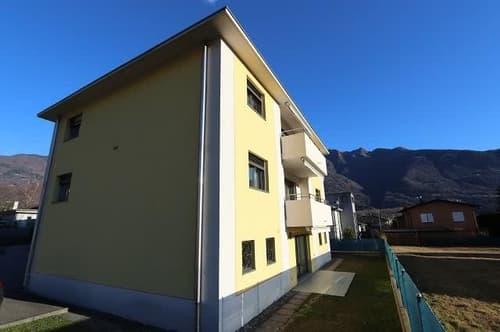 3-Fam-Haus mit schöner Aussicht / casa con tre appartamenti