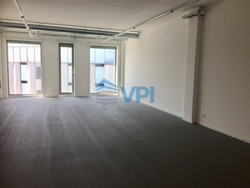 ETOY - Bureau de 91.9 m2 situé dans le centre iLife City