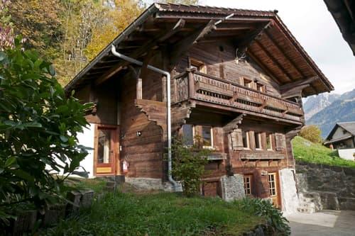 Très beau Chalet historique au centre du village. (1)