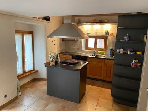 Schöne 3.5 Zimmer - Dachwohnung in Giornico zu Vermieten (1)