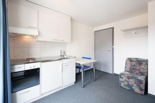 Sommersaison 2021 - 1-Bett-Studio (mit Balkon) in Davos Dorf nähe Parsennbahn