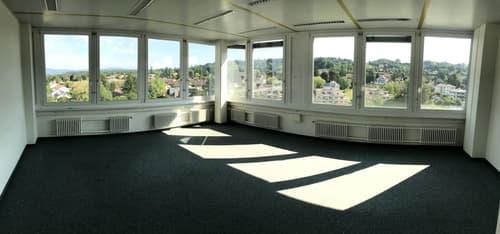 AV Bureaux avec vue en très bon état, extension possible 400 m2