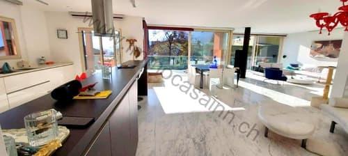 Grande e moderna casa con 3 appartamenti, giardino e ascensore a Torricella