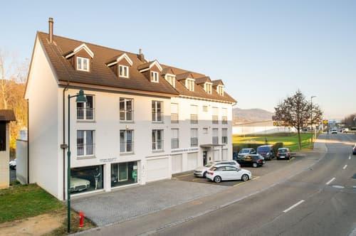 Wohn- und Geschäftshaus mit Autohalle