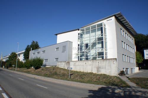 Immeuble administratif d'env. 1'350 m² + 22 places de parc extérieures