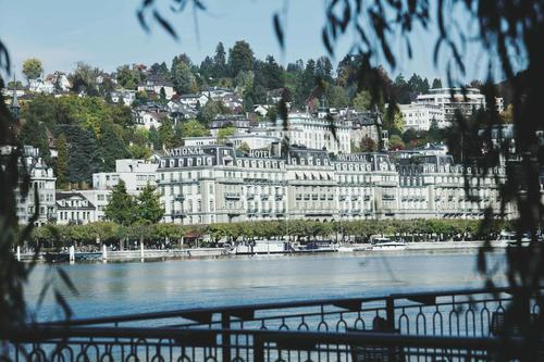 FREIE RÄUME FÜR PRAXIS ODER BÜRO IM GRAND HOTEL NATIONAL LUZERN