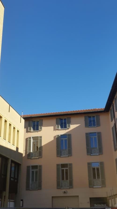 Centro Città di Lugano, a due passi dal Lungo Lago, Elegante Appartamento, Cantina e Autorimessa