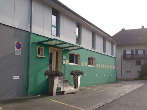 Einzelbüros 12 - 30 m2 mit Internetanschluss möbliert zu vermieten mit Parkplatz