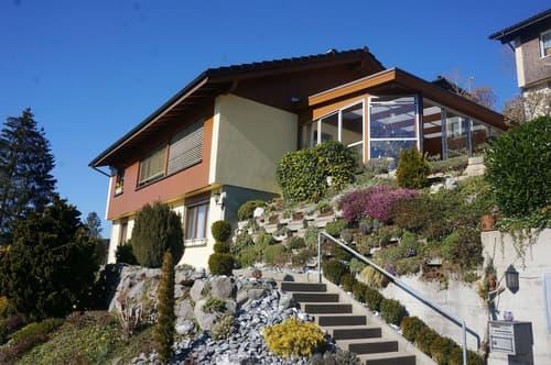 Gepflegtes 6.5-Zimmer-Einfamilienhaus mit Wintergarten und Einzelgarage