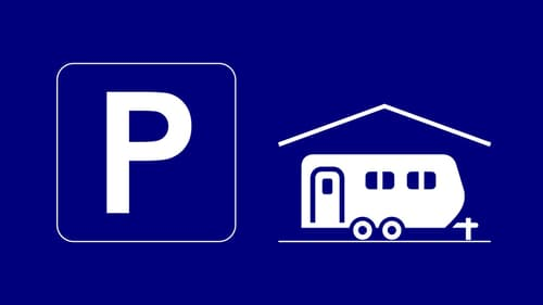 Wohnmobilparkplatz in Autoeinstellhalle