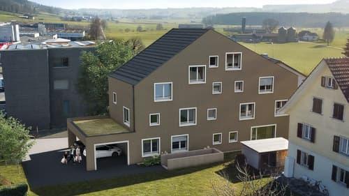 Grosszügige 4½-Zimmer Eigentumswohnung in topmodernem Dreifamilienhaus