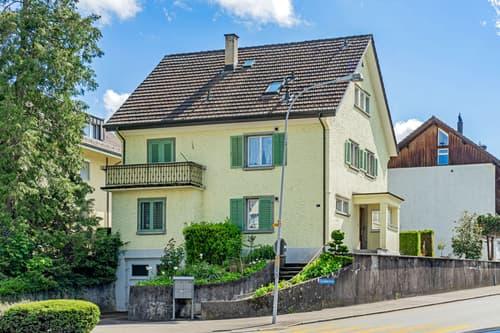Freistehendes Mehrgenerationen- / Mehrfamilienhaus