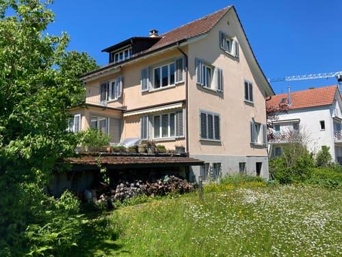 Charmantes Einfamilienhaus mit riesigem Garten