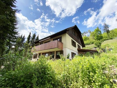 Schönes 8-Zimmer-Einfamilienhaus im Baurecht im ruhigen Wohnquartier