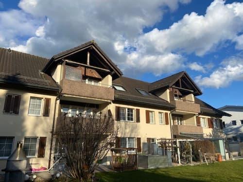 BIJOU 4.5 Zi-ETW Dachwohnung mit div. Nebenräumen / Garage + PP zu verkaufen