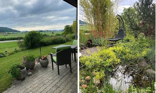 Gemütlicher Hausteil mit Garten und Blick auf das Schloss