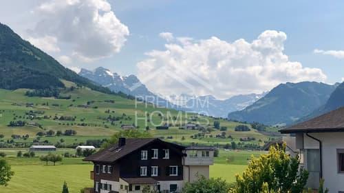 Grosse Familienwohnung mit Aussicht in die Berge