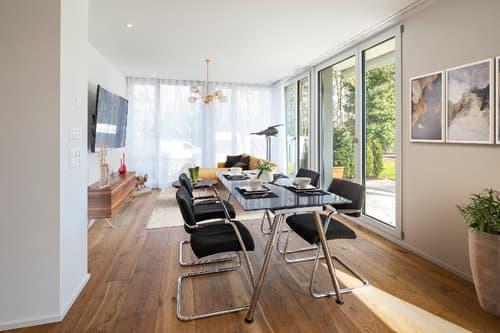 Hochwertige 2.5 Zimmer Wohnung mit Gartensitzplatz