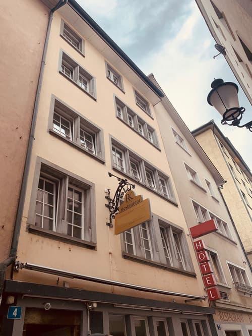 EINMALIGES ANGEBOT - FRISCH SANIERTES HOTEL AN ALLERBESTER LAGE IM HERZEN DER ZÜRCHER-ALTSTADT! (1)