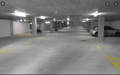 Tiefgaragenparkplätze zu vermieten
