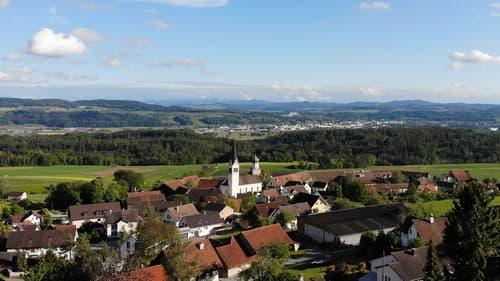 Grosszügiges Wohnbauland mit Fernsicht (1)