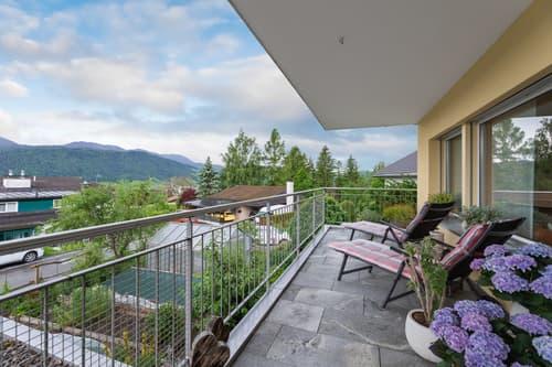 6.5-Zimmer-Maisonette Wohnung mit Gartensitzplatz und Balkon