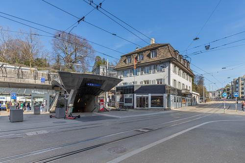 Doppelabstellplatz am Bahnhof Stadelhofen