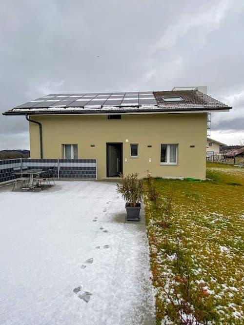 Maison de 2 logements avec garages et possibilité d'agrandissement.