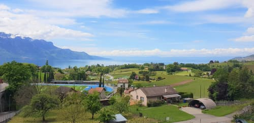 Maison de 3 appartements avec terrain et vue lac