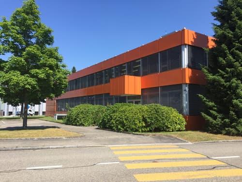 Büroräumlichkeiten mit Parkmöglichkeiten im Industriegebiet von Langenthal