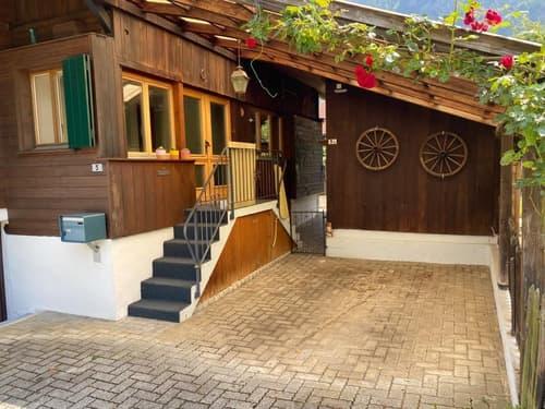 Einfamilienhaus mit angebauter Scheune und Garten (1)
