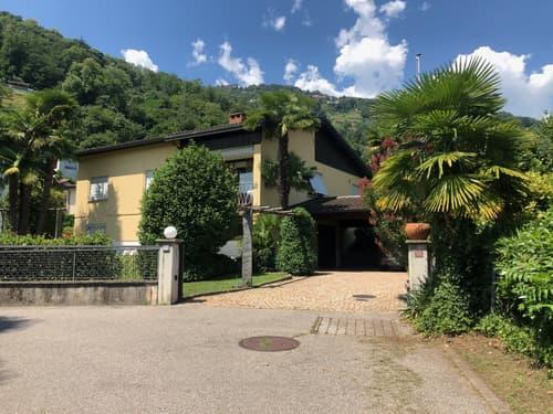 Magnifica casa individuale con vista sul lago di Lugano