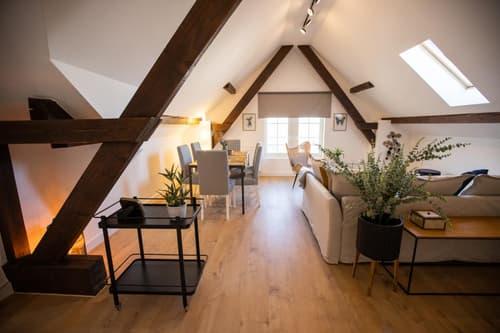 Superbe appartement de 2.5 pces en attique