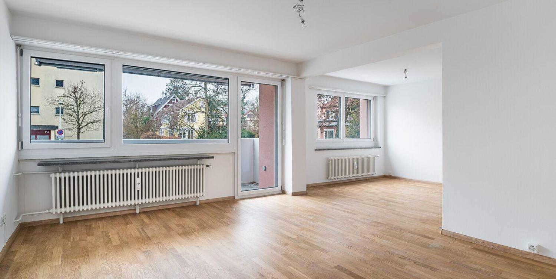 Miete: renovierte Wohnung mit 2 Balkone