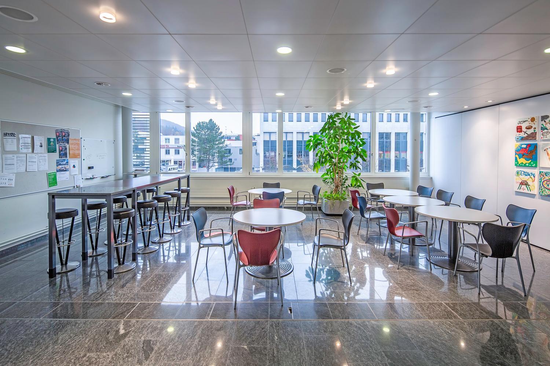 Miete: neu ausgebaute Büroflächen, exklusiver Innenhof