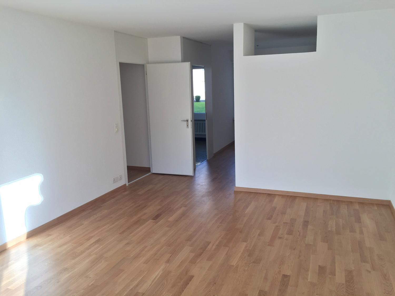 Miete: grosse Wohnung an ruhiger Lage