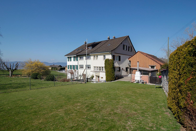 Miete: angebautes Einfamilienhaus an idyllischer Lage