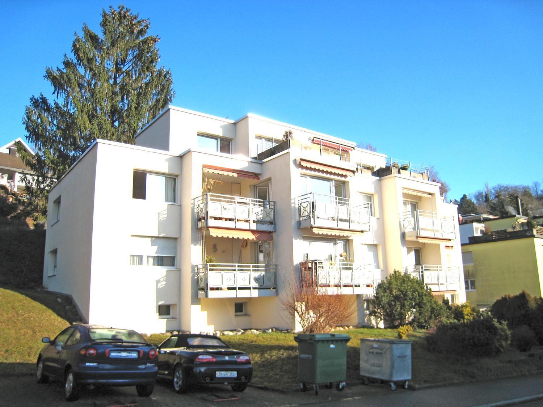 Miete: Wohnung mit Gartensitzplatz