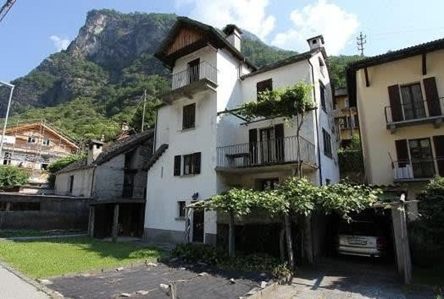 Single Family Home - - Campo Vallemaggia, Tessin