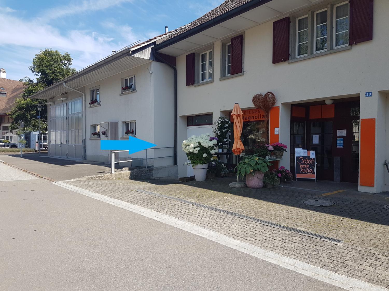 Autoeinstellplätze im Dorfkern
