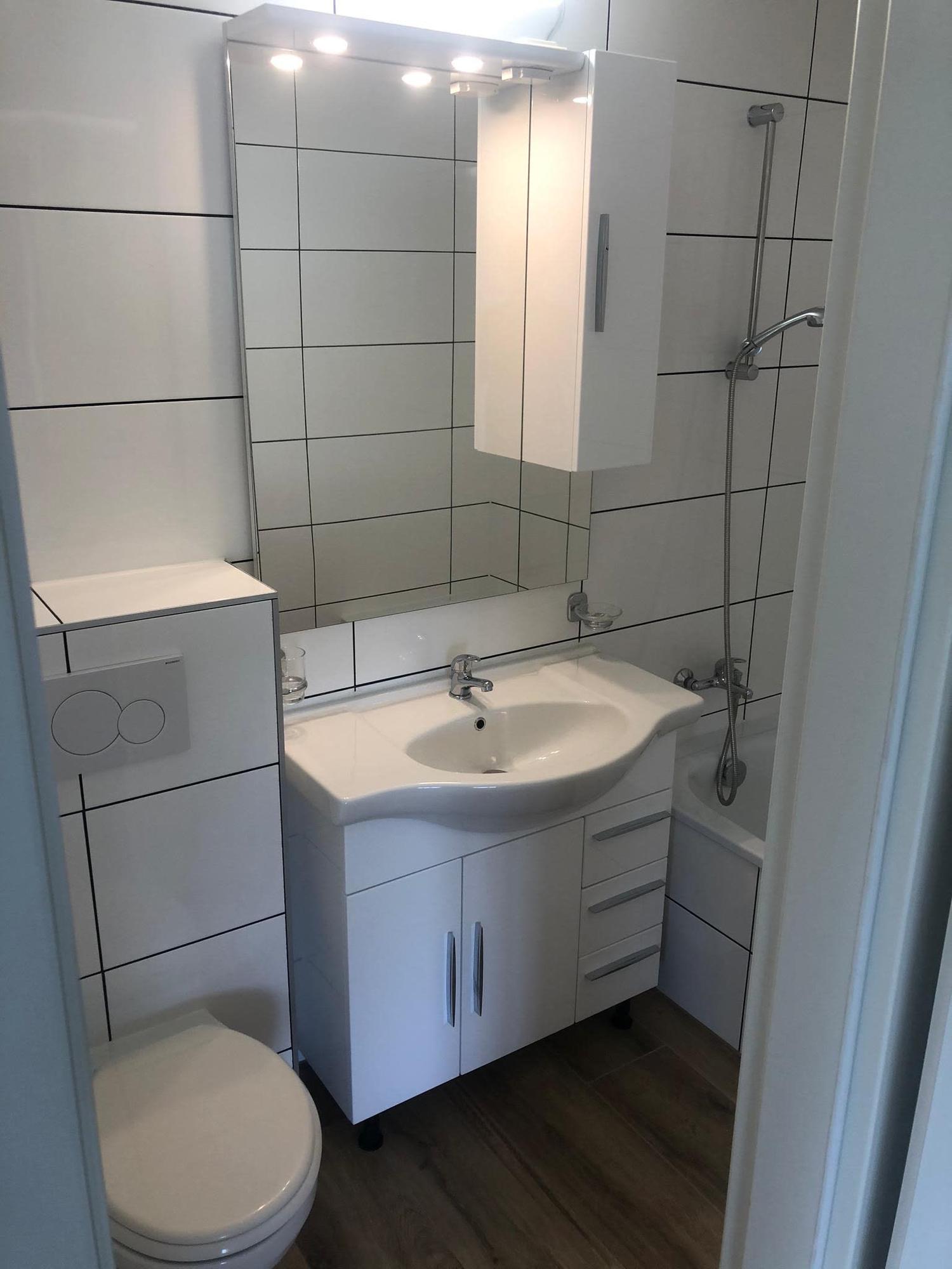 Frisch Renovierte Helle 4 5 Zimmer Wohnung Zu Vermieten