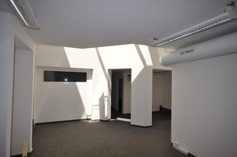 Büro und / oder Atelier mit büroeigener Klimanalage.